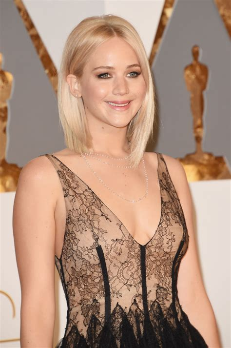 jennifer lawrence oscars 2016 in hollywood ca 2 28 2016