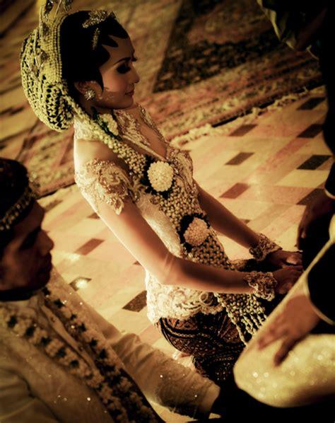 desain dress glamour fashionloly glamour with original modern kebaya indonesia