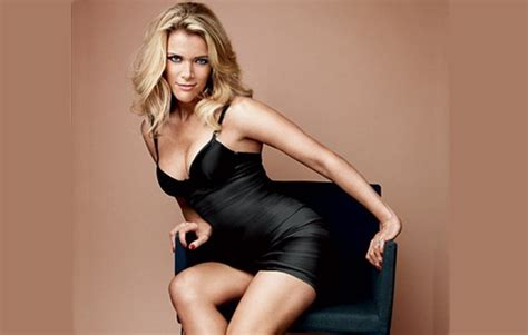 hot female news anchors top 10 hottest women news anchors around the world
