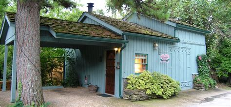 hillside haven cottage eureka springs treehouses