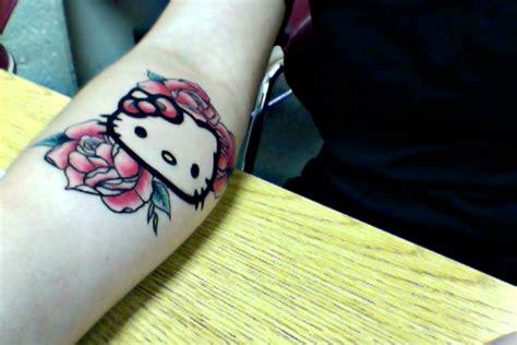 new school hello kitty tattoo hello kitty tattoo by beeautifuldisaster on deviantart
