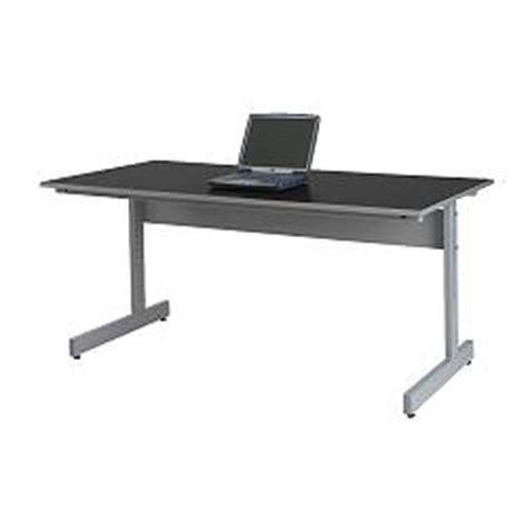 Jerker Desk by Is The Jerker The Best Desk For Duel Large Displays H