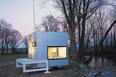 micro compact home can we live in a box