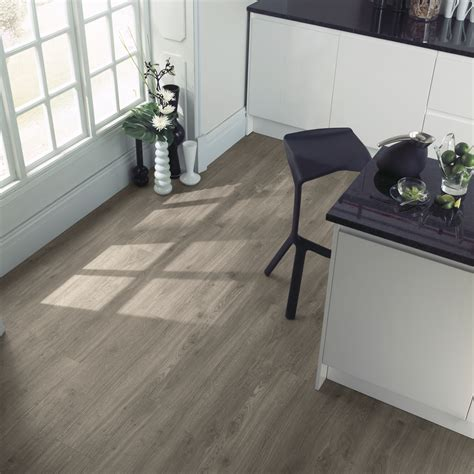 amtico flooring weathered oak beautifully designed lvt flooring from the amtico spacia collection luxury