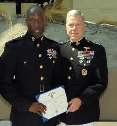 texas veteran is first living marine to receive medal of
