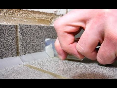 silikonreste fliesen entfernen hausmittel how to silikonfuge an der badewanne erneuern teil i