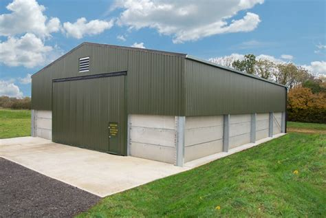 Farm Sheds Uk by Hydroswing Europe Hydraulic Agriculture Doors