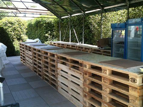 mobili con pedane pallet in abete per arredamento orto urbano