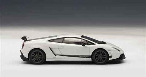 Autoart Lamborghini Gallardo Autoart Lamborghini Gallardo Lp570 4 Superleggera White