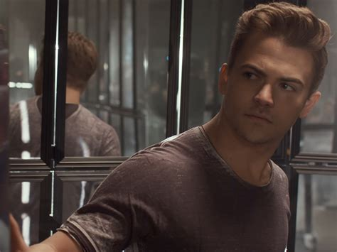 hayes house of music hunter hayes gets reflective in new video for yesterday s song nash country