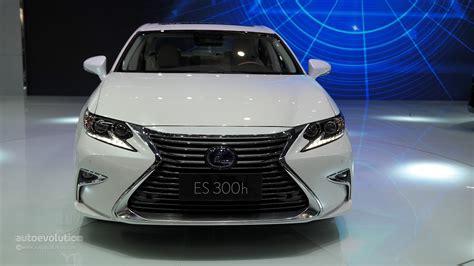 lexus es 2016 2016 lexus es facelift is full of self esteem at auto