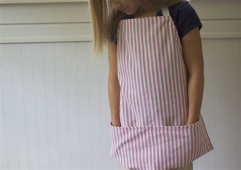 apron pattern from dish towel 5 ways to transform your tired out tea towels the
