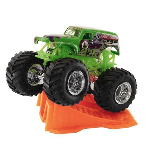 wheels grave digger truck 1 64 wheels grave digger stunt r