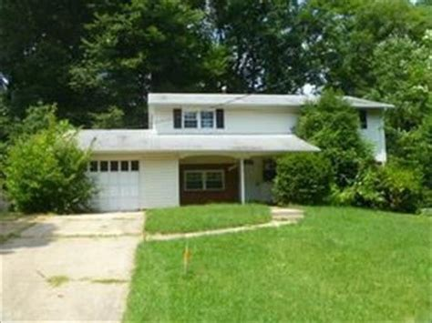 8704 cromwell dr springfield va 22151 foreclosed home
