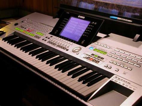 Keyboard Yamaha Tyros yamaha tyros 4 61 key arranger workstation keyboard