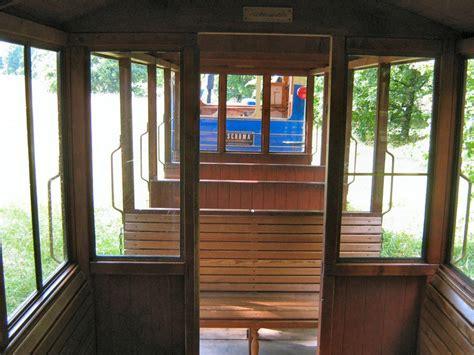 Britzer Garten Gartenbahn by Diesellok Und Wagen Der Brritzer Parkeisenbahn Bahnen In
