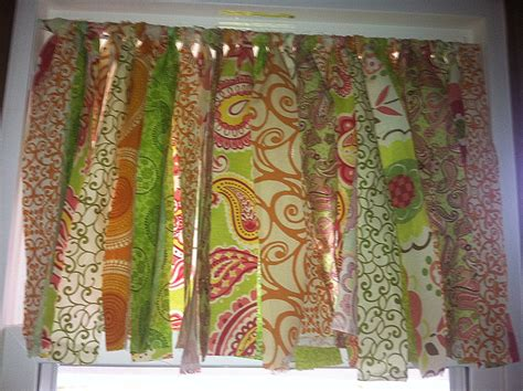sewing a valance curtain diy no sew the cutest curtains ever laughter lattes