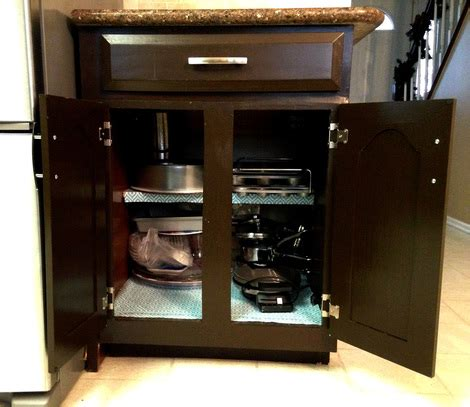 Desk That Looks Like A Cabinet by Transforming A Kitchen Desk Into Cabinet Space Tutorial