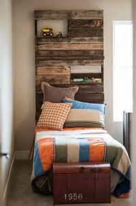 Building A Platform Bed King Size by 40 Recycled Diy Pallet Headboard Ideas 99 Pallets