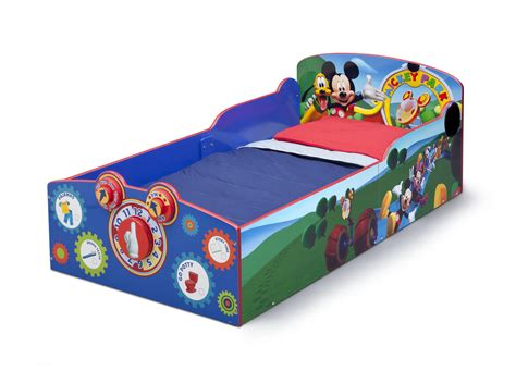 minnie mouse wooden toddler bed amazon com delta children interactive wood toddler bed