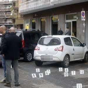 rapina ufficio postale roma roma rapina alle poste con sparatoria rapinatori in fuga