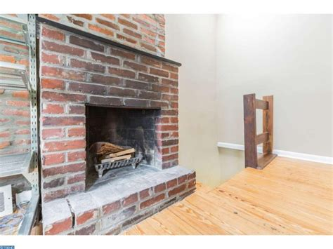 third floor bedroom trinity tuesday a pop of color in washington square west for 299k philadelphia