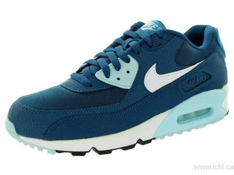 nike womens air max  essential running shoe