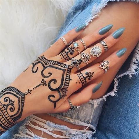 henna tattoo nail art 1000 ideas about henna tattoos on