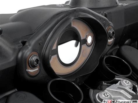 ecs news bmw   valve cover repair