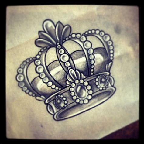 queens crown tattoo by http instagram kirkymareedonnelly tattoos