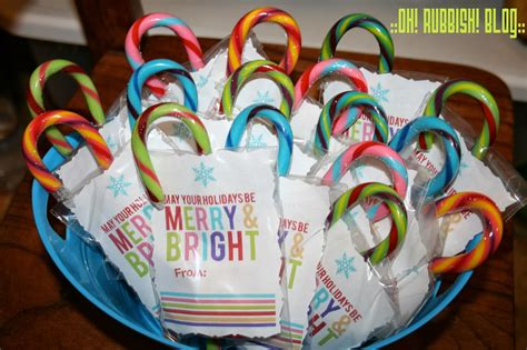 Christmas Giveaways For Kids - may your holidays be merry bright led finger lights christmas class favors