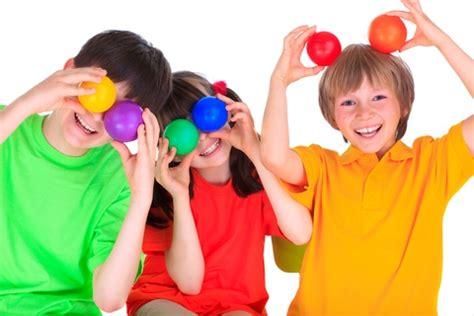 imagenes de niños jugando con sus amigos general juguetes comprar juguetes tienda juguetes