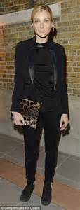 Model look jessica stam l and lily donaldson both opt for dark