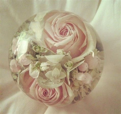 Wedding Bouquet Resin by 1000 Ideas About Preserve Wedding Bouquets On