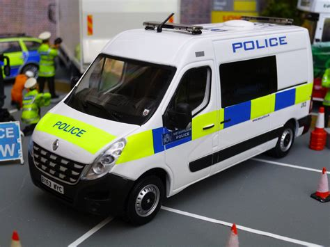 model commercial vehicles 1 43 code 3 met police commercial vehicle unit model at a