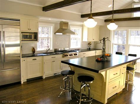 kitchen cabinets in ct custom snowflake painted kitchen cabinetry in new canaan
