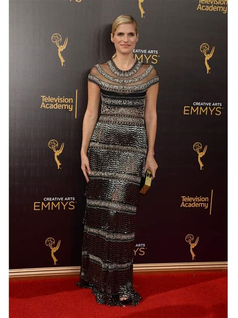 Carpet Wardrobe by So What Happened To Lake Bell S Dress At The Emmy S Last