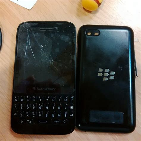 Book Cover Bb Q5 how do i open my q5 back cover blackberry forums at