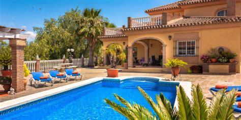 1 huis kopen met 2 gezinnen luxe vakantiehuis met zwembad en jacuzzivakanties voor