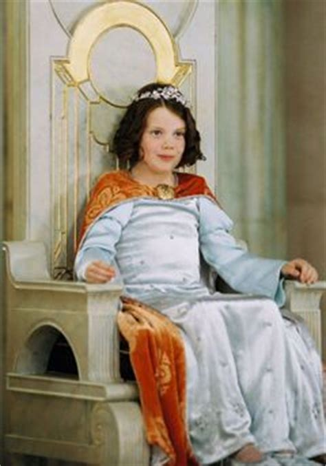 film lucy quel age 125 best images about queen lucy on pinterest chronicles