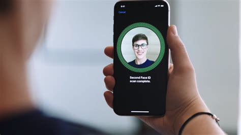 huge iphone  bug  facial recognition