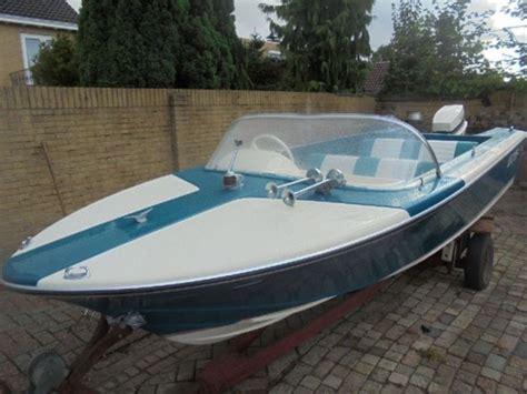 6 persoons speedboot vega tornado speedboot johnson 40 pk