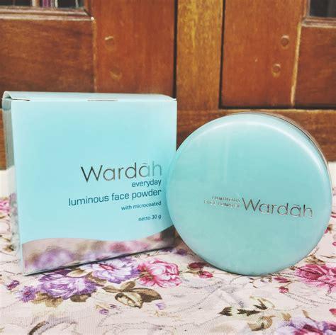 Bedak Luminous Wardah review dan harga bedak wardah terbaru paling lengkap