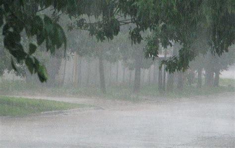 imagenes de fuertes lluvias las lluvias continuar 225 n en el sur y sureste del pa 237 s