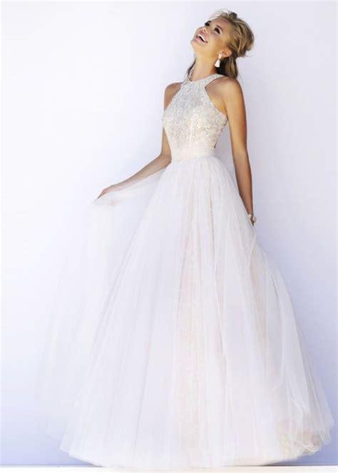 Longdress Basic Sky ハイネックのウェディングドレスで極上のエレガンスをまとって マリー