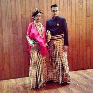 Cara Memakai Baju Bodo Sulawesi Selatan makna simbol warna busana wanita bugis dalam balutan baju bodo baju bodo mer