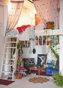 Gypsy Boho Bedrooms Interiors Bedding 17 Meilleures Id 233 Es 224 Propos De Chambre Hippie Sur