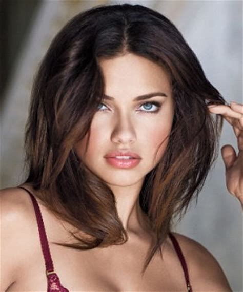 Adriana Lima Cool Short Hairstyles For Women | adriana lima short hairstyle