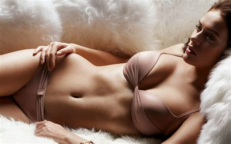 hot girl in bed wallpaper top most beautiful women