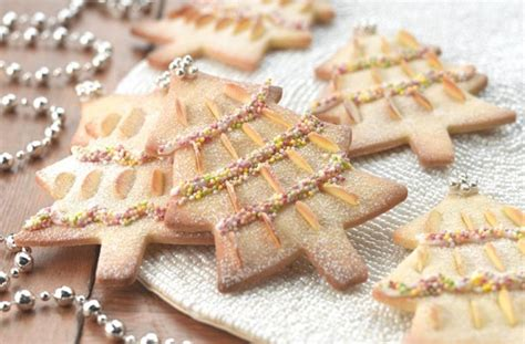 christmas biscuits and cookies almond christmas tree